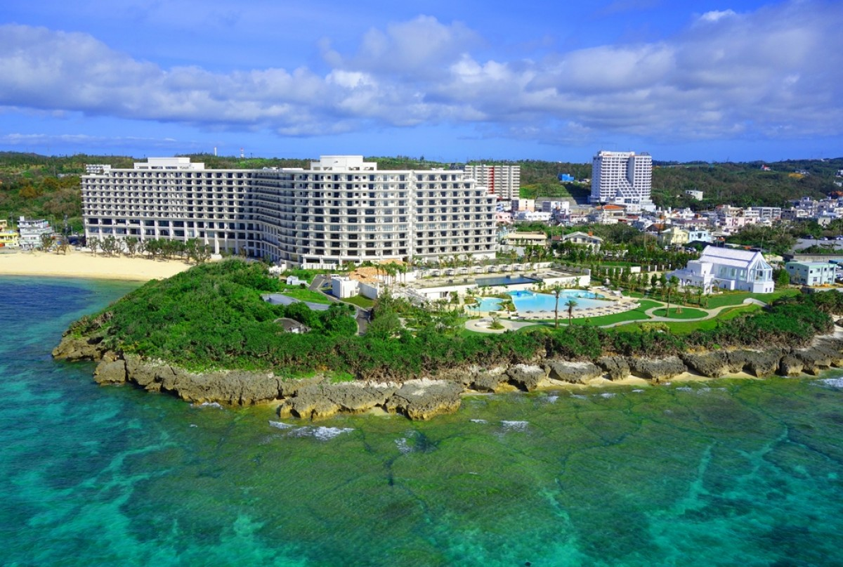 Luxurious Resort Hotel Facing Tiger Beach One Of The Best Beaches In Okinawa Many Europeans Adore Monterey Style Southern Tropical